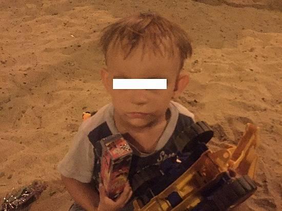 ВВолгограде ищут родителей «забытого» впесочнице ребенка