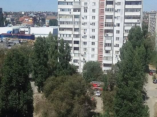 ВВолгограде спасатели эвакуировали 70 жителей многоэтажки из-за дыма